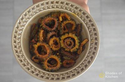 Pavakkai Fry | Bitter Gourd Fry | Karela Fry (VIDEO)