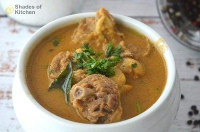 Naatu Kozhi Milagu Kulambu | Country Chicken Pepper Curry (VIDEO)